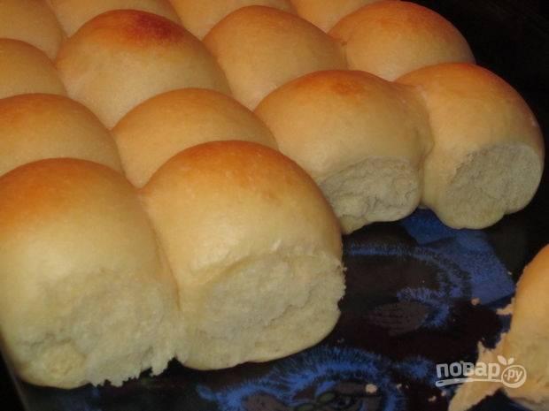 7.Запекайте булочки в разогретом до 170 градусов духовом шкафу 15-20 минут.
