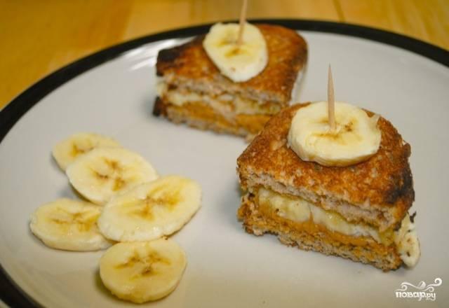 Сэндвичи с арахисовым маслом и бананами
