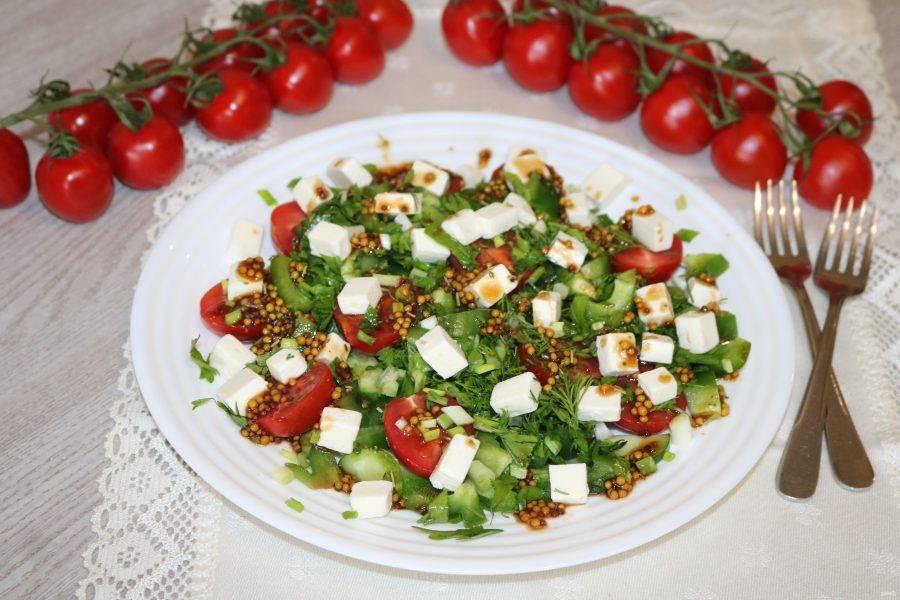 Наш вкусный салат готов. Приятного аппетита!