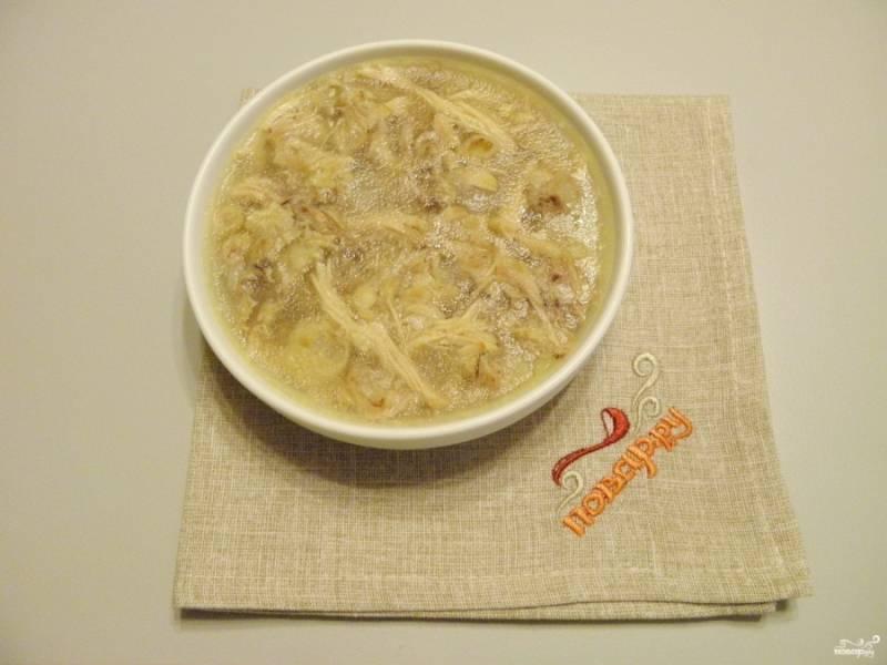 Студень из курицы готов! Приятного аппетита! Подавайте студень с горчицей, хреном или чесноком.