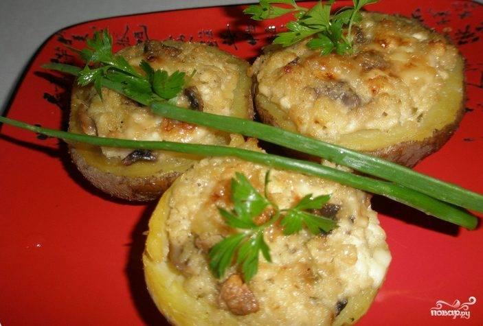 Картофель, запеченный с грибами и сыром
