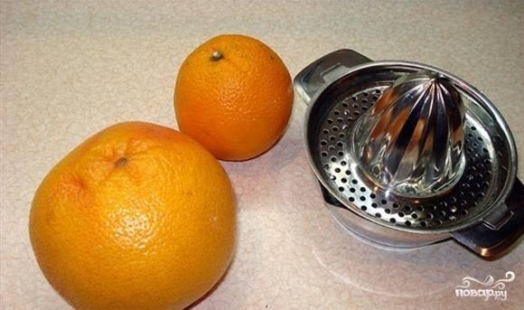 Для приготовления грейпфрутового фреша нам понадобятся апельсин и собственно грейпфрут.