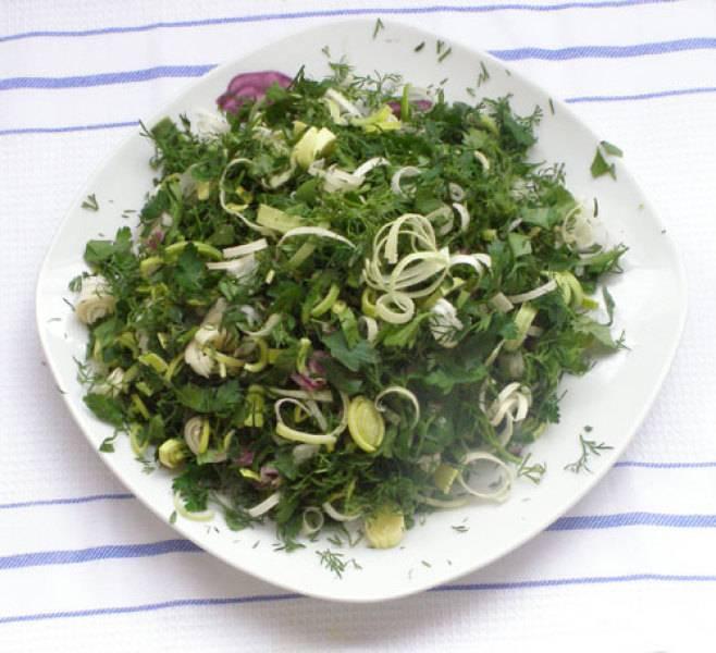 4. Зимой достаем пакетик, размораживаем и добавляем в салаты, в первые блюда или в гарниры!