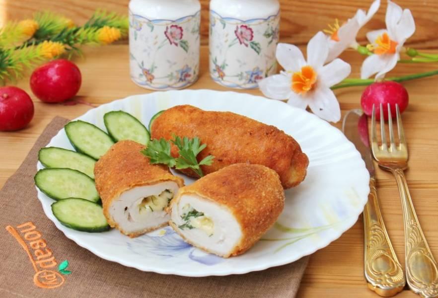 Котлеты из филе птицы подавайте на обед или ужин с любым гарниром.