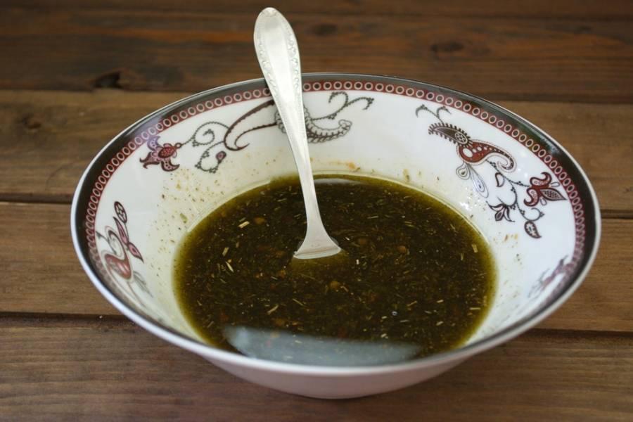 В полученном соусе можно мариновать мясо. Выстаивания соус не требует.