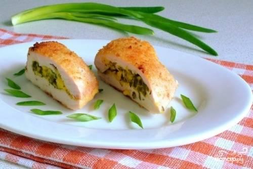 Куриная грудка с сыром в сухарях