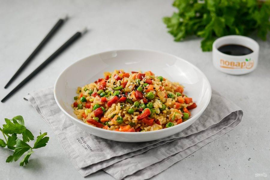 Вок с рисом и овощами готов, приятного аппетита!