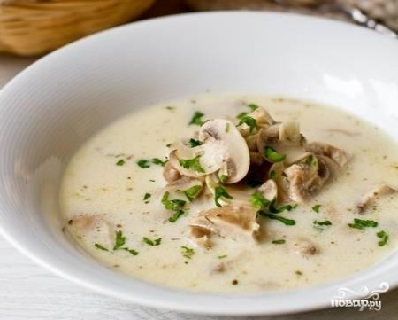 Суп готов! Подавайте со свежей зеленью. Приятного аппетита!