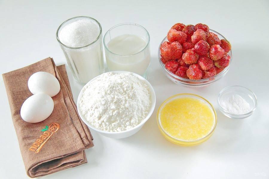 1. Подготовьте все необходимые ингредиенты. Сливочное масло заранее растопите и дайте ему остыть.