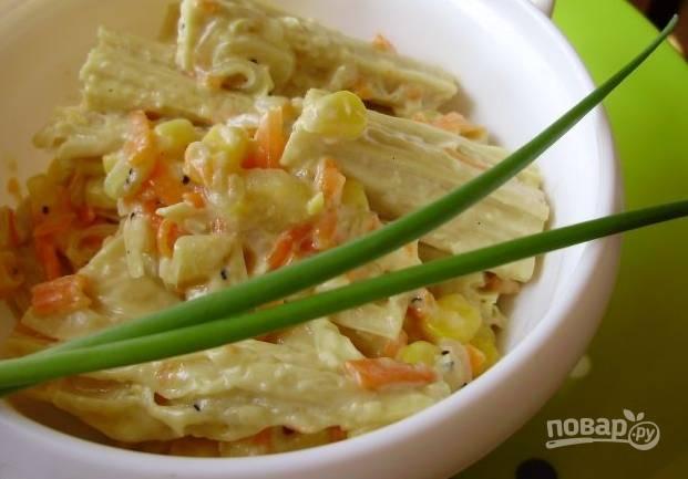 Овощной салат с сушеной спаржей