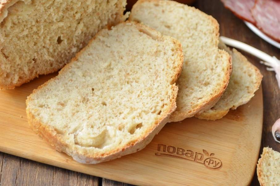 8. Остудите хлеб на решетке и пробуйте. У нас он улетает еще горячим!