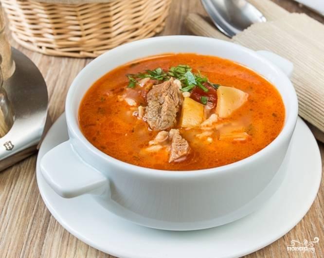 Томатный суп со свининой