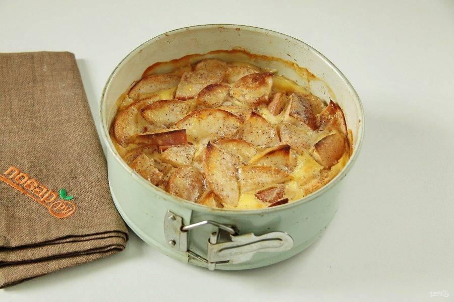 9. Итальянский яблочный пирог готов.