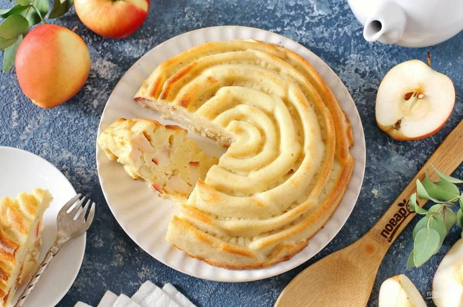 Низкоуглеводная шарлотка с яблоками