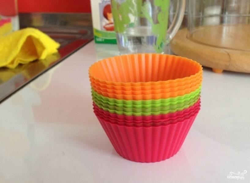 5. Я привыкла для выпечки использовать различные силиконовые формы, это удобно и быстро.