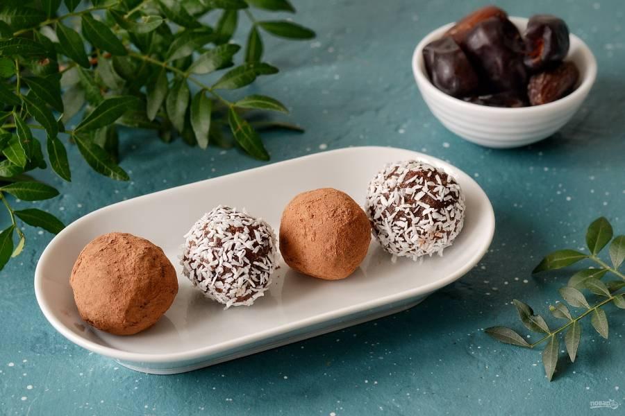 Конфеты из фиников и орехов без сахара