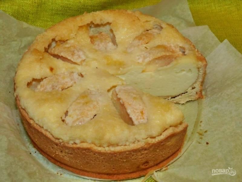 Готовый пирог остудите в форме и угощайтесь. Приятного чаепития!