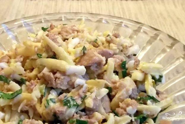 Салат из печени и сыра