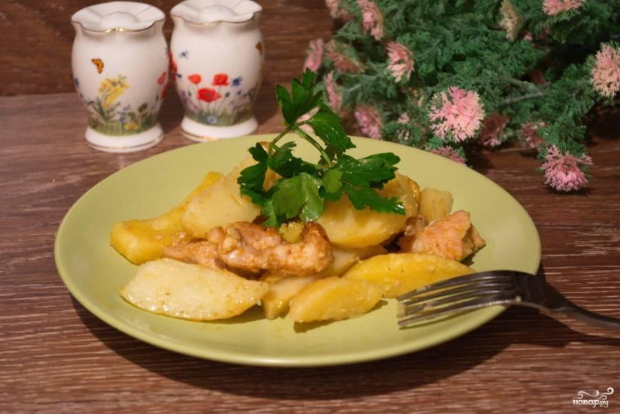 Филе индейки с картошкой в рукаве