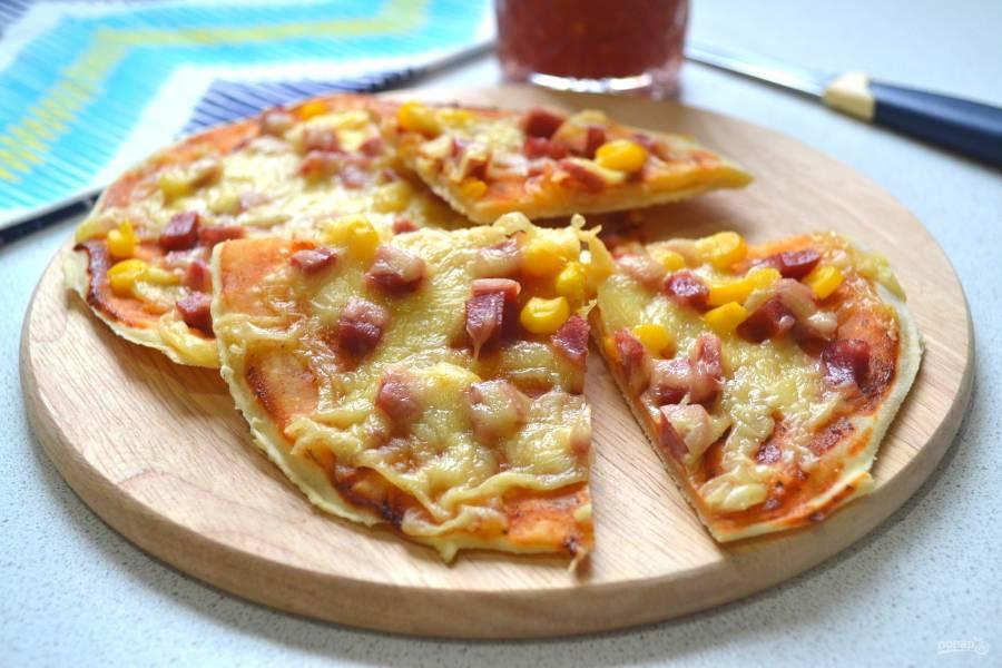 Мини-пиццы на бездрожжевом тесте