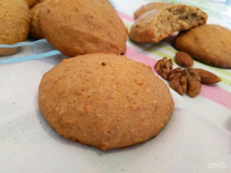 Печенье яичное с орехами