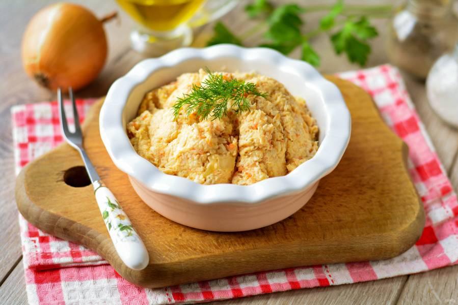 Паштет из куриной грудки с морковью и луком