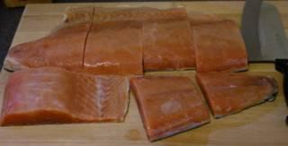 Подготовить лосось.