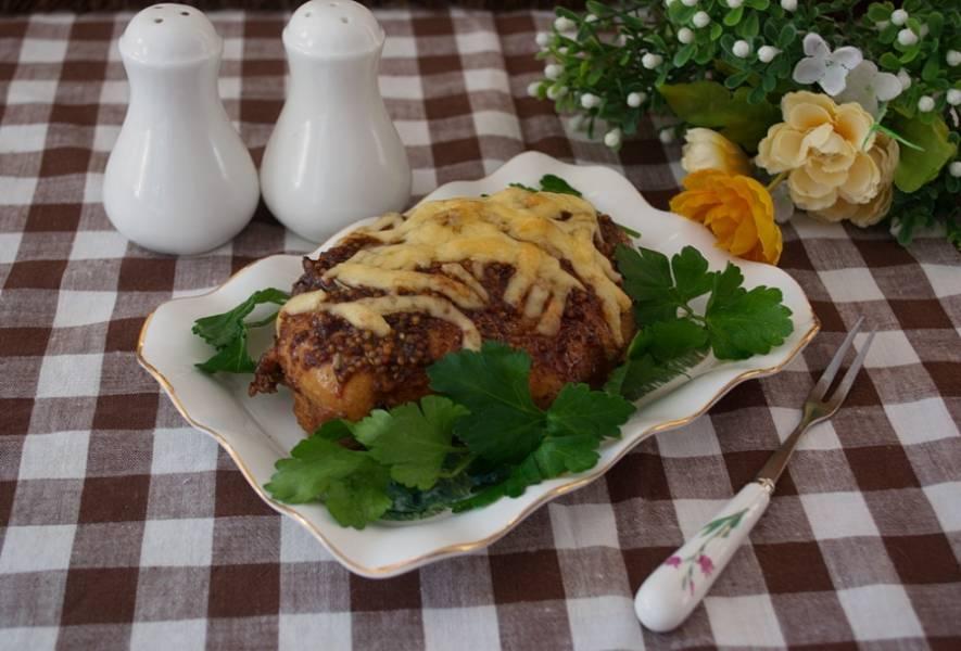 Подайте к столу. Мясо очень ароматное и сочное.