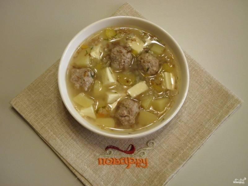 Сырный суп с фрикадельками готов, приятного!