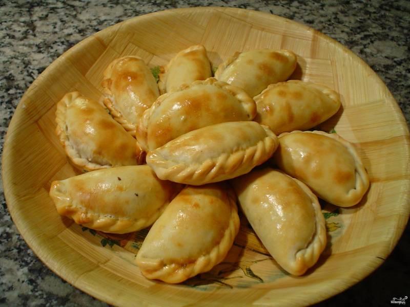 Пирожки с картошкой и тушенкой