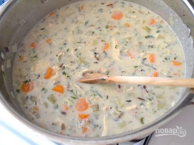 13.По вкусу добавьте соль и перец, варите пару минут и выключайте суп.
