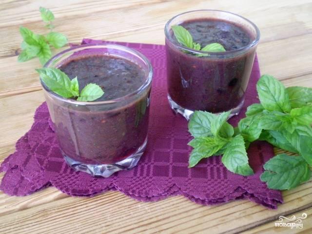 Зеленый коктейль с мятой