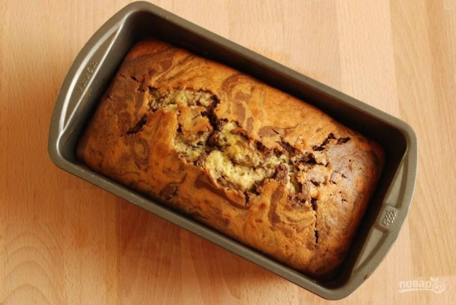 5. Выпекайте пирог в течение 90 минут при температуре 170 градусов. Приятного чаепития!