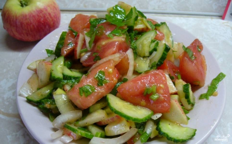 4. Салат готов! Приятного вам аппетита! Надеюсь, что такой простой салатик вам понравится так же, как и мне.