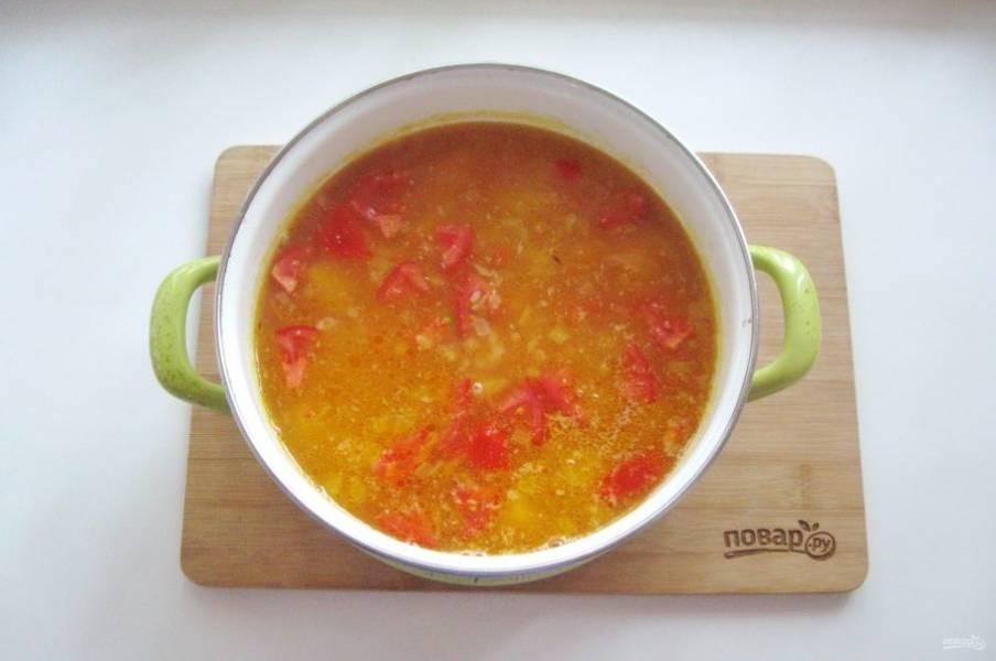 Варите суп еще 5-6 минут на минимальном огне и выключайте.