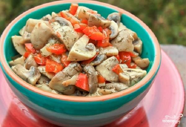Вкусная закуска из грибов и перца