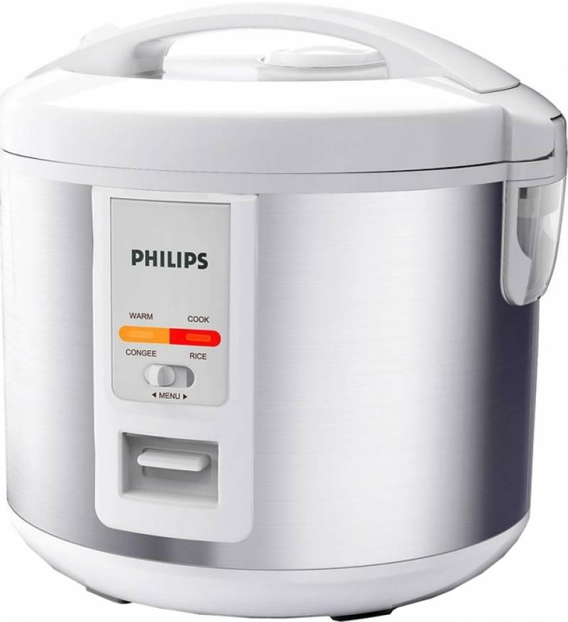 В мультиварку укладываем тушку гуся и устанавливаем режим выпечка на 2,5 часа. Иногда открываем мультиварку и поливаем гуся соком-жиром, который выделился при тушении.