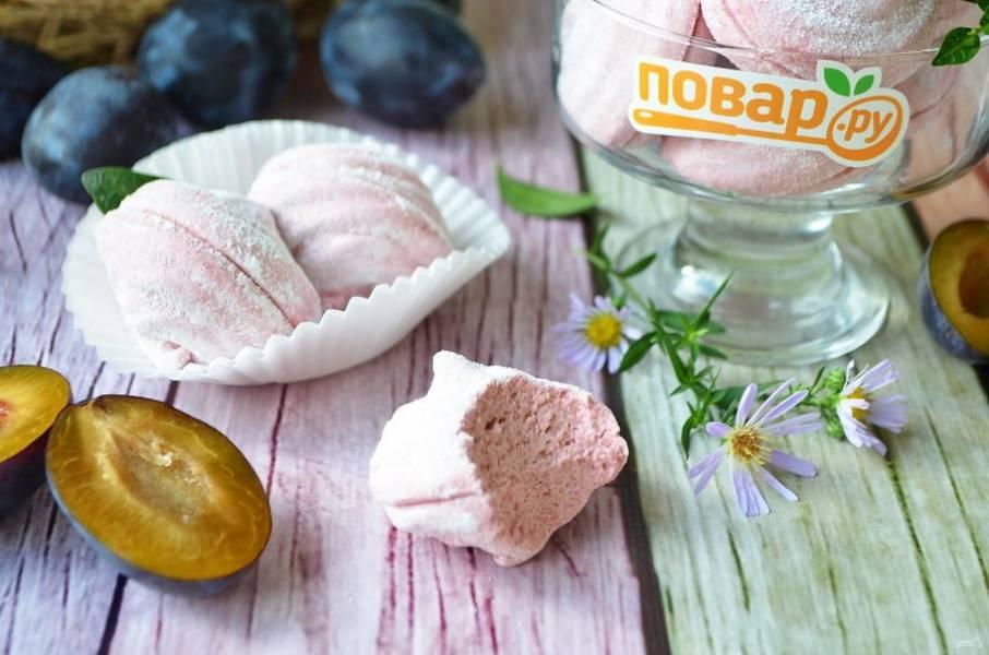 12. Хранить готовый зефир нужно в закрытой таре при комнатной температуре.  Нежный, сладкий и очень вкусный, пробуйте!