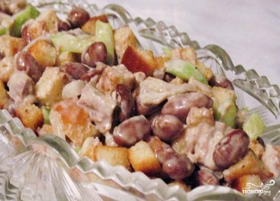 5.Заправляем салат майонезом. Блюдо готово к употреблению! Приятного Вам аппетита!