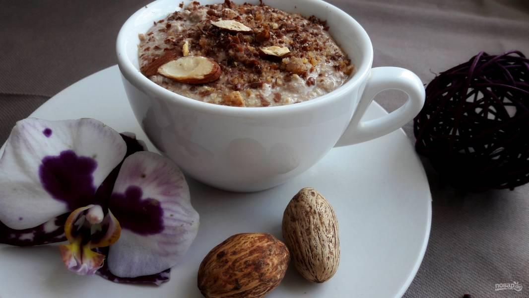 Вкусный десерт из творога с бананом и кофе