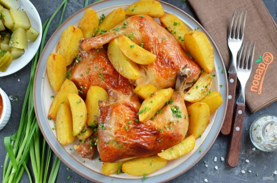 Мясо с картошкой в духовке готово! Подавайте горячим! Приятного аппетита!