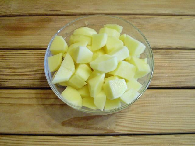 6. Нарежем картофель.