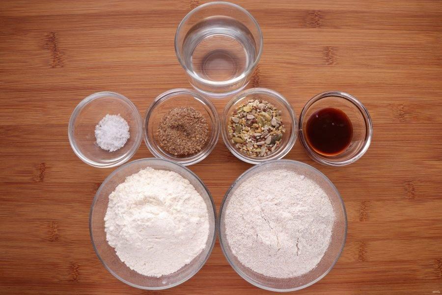 Для того, чтобы испечь хлеб, сначала нам понадобится приготовить ржаную закваску.