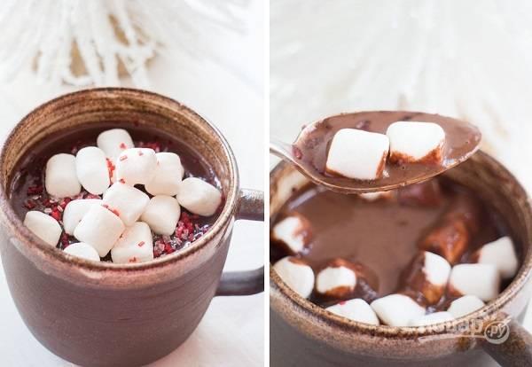 Горячий шоколад с солью и зефиром