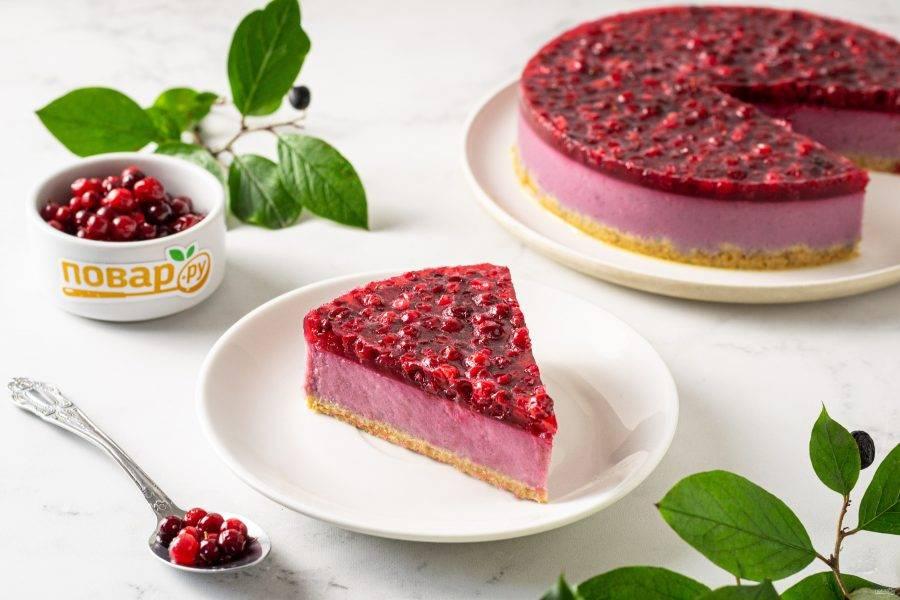 Вегетарианский торт без выпечки готов, приятного аппетита!