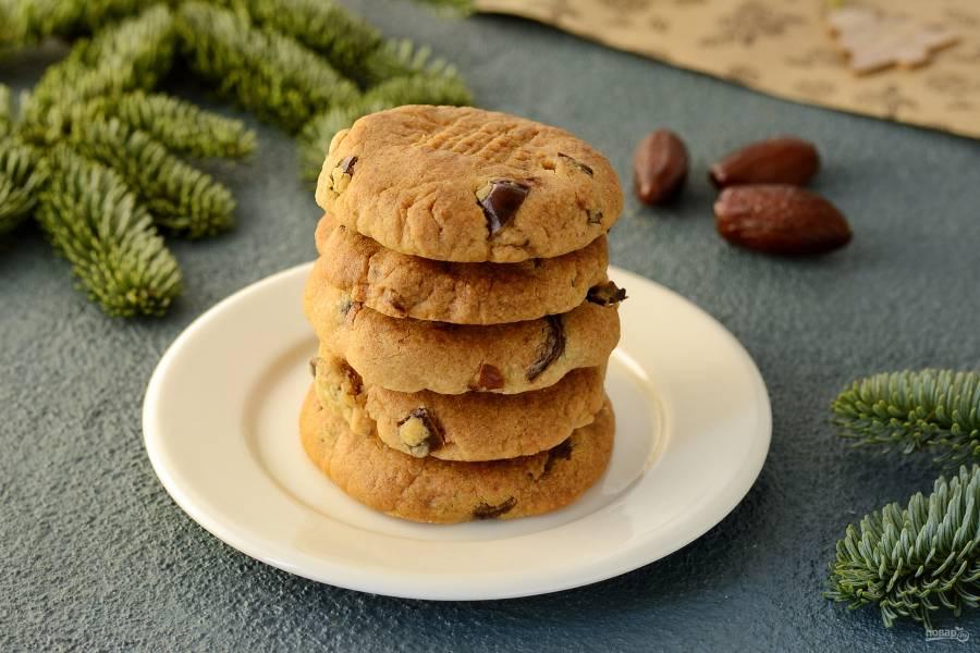 Постное печенье с финиками