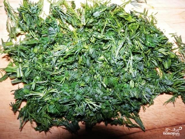 5.Зелень измельчаем в блендере или тоже мелко нарезаем.