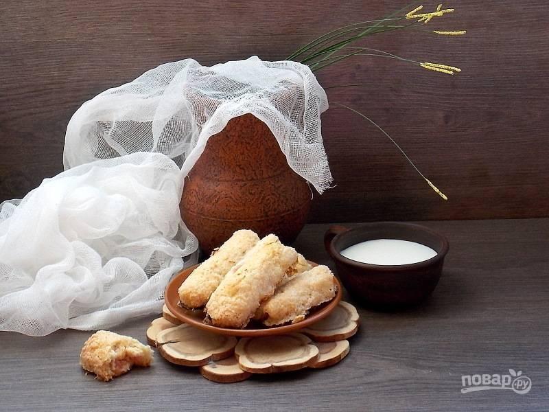 Сахарное печенье с ревенем