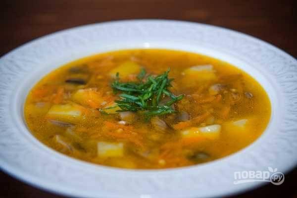 Через 13 минут варки суп готов! Подавайте его с зеленью и сметаной. Приятного аппетита!