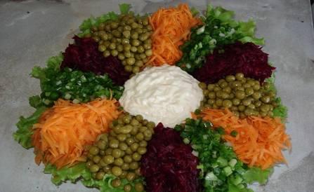 3. И вот такой оригинальный и красивый салат в итоге получаем!